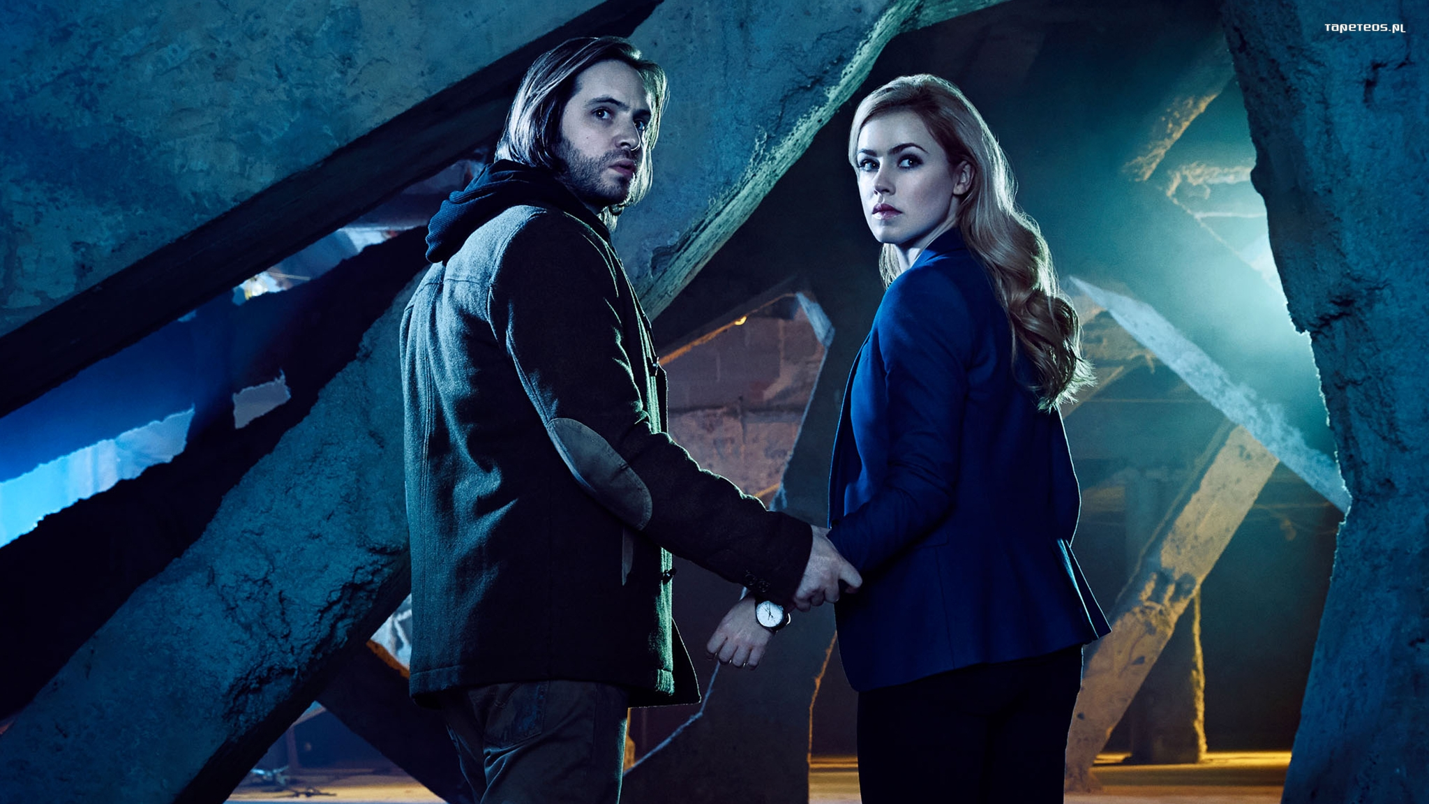 12 Monkeys 010 Aaron Stanford, James Cole, Amanda Schull, Dr Cassandra Railly