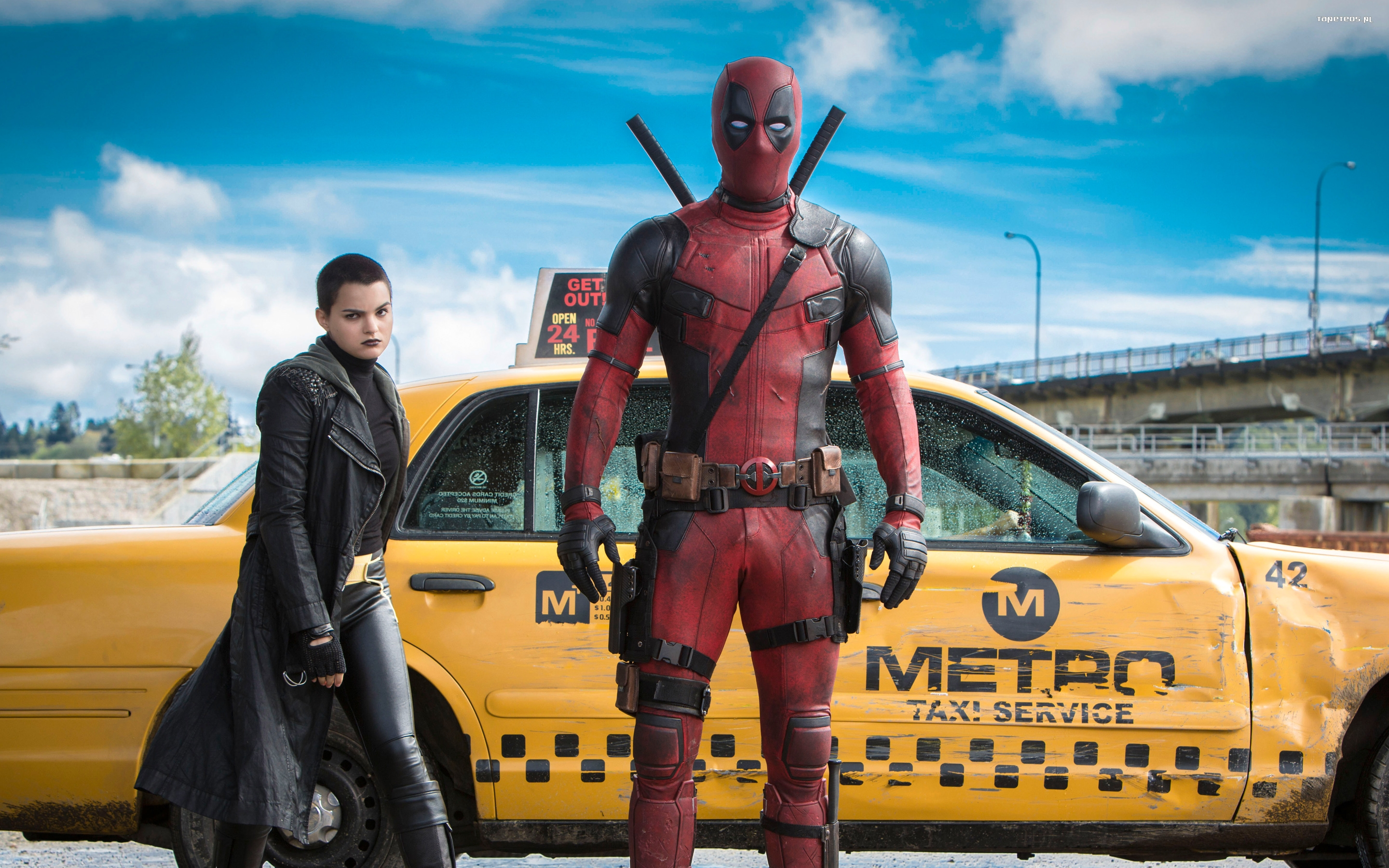 Deadpool (2016) 028 Brianna Hildebrand jako Ellie Phimister - Negasonic Teenage Warhead, Ryan Reynolds