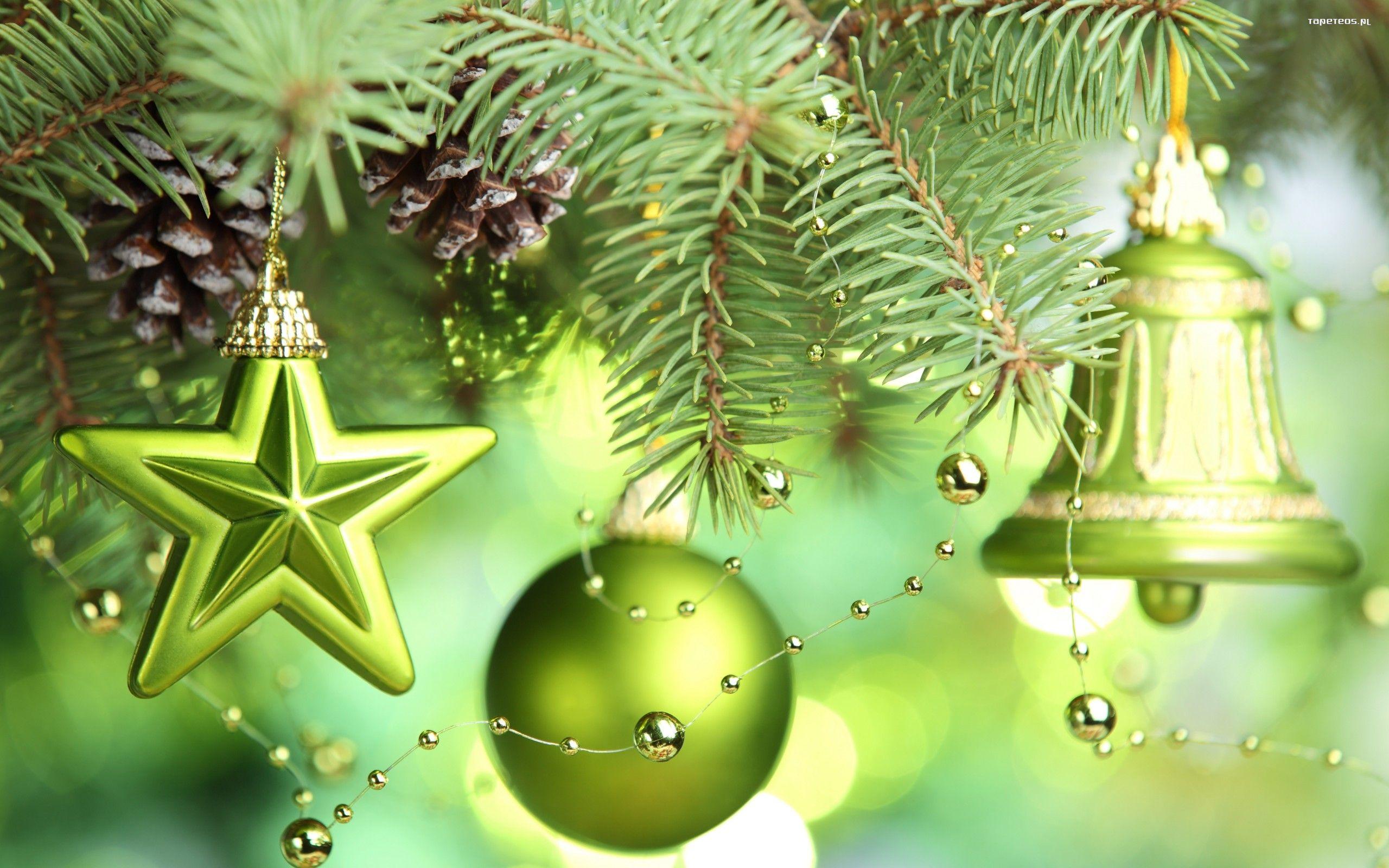 Swieta Boze Narodzenie 2560x1600 186 Swierk Bombka