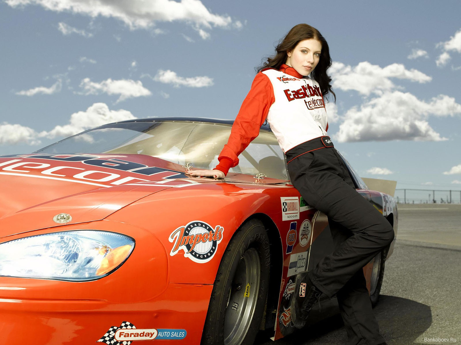 Girls with Cars 056