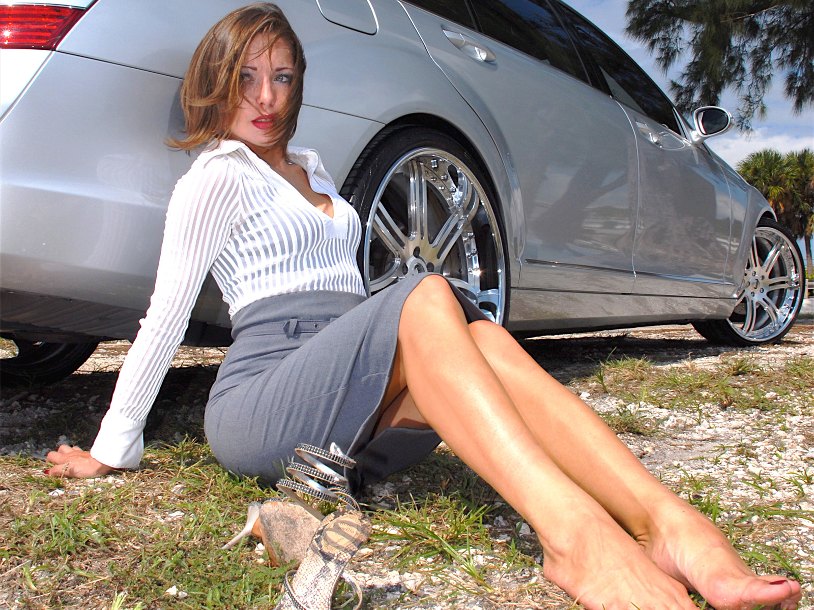 Girls with Cars 090