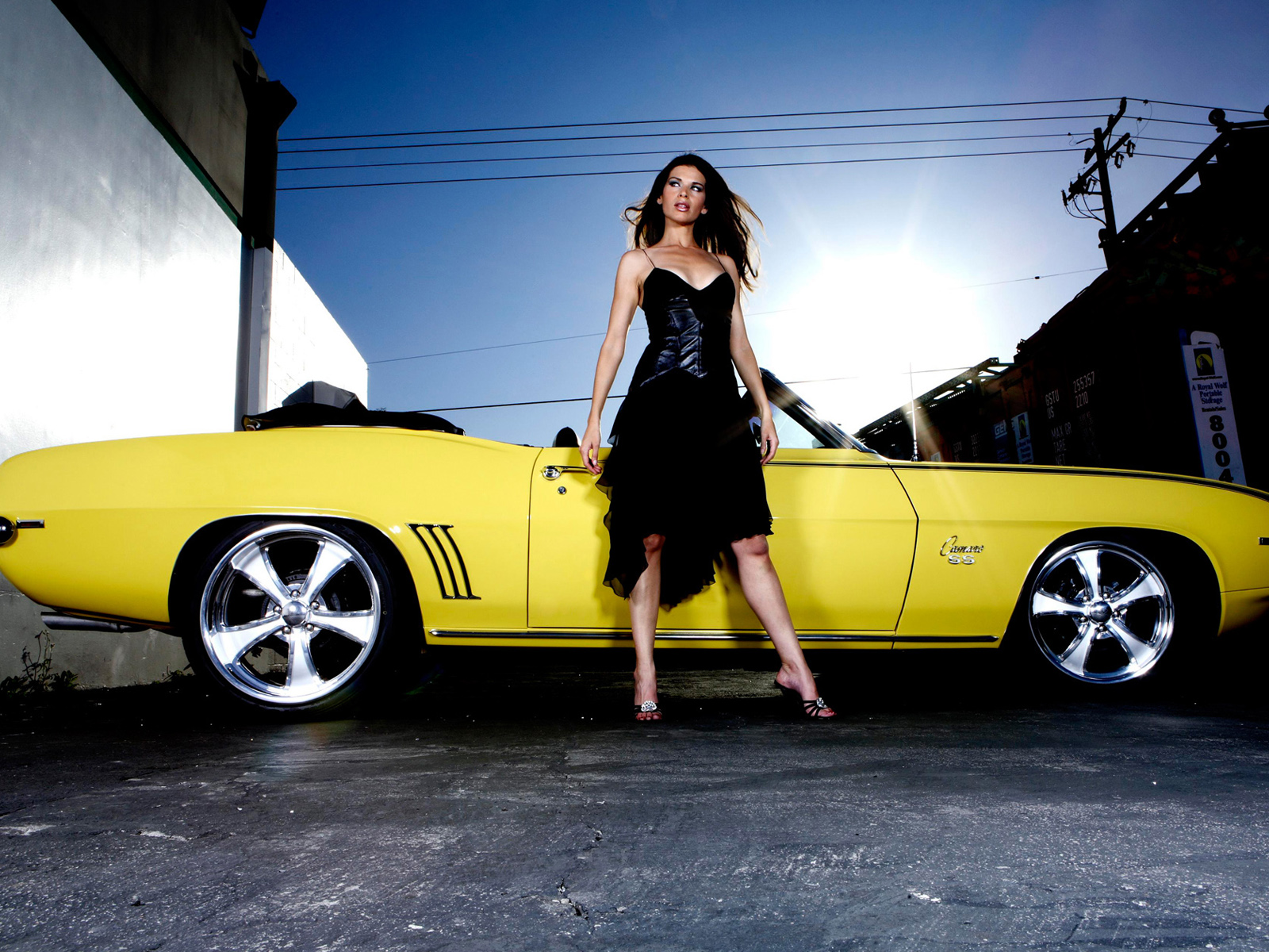 Girls with Cars 106