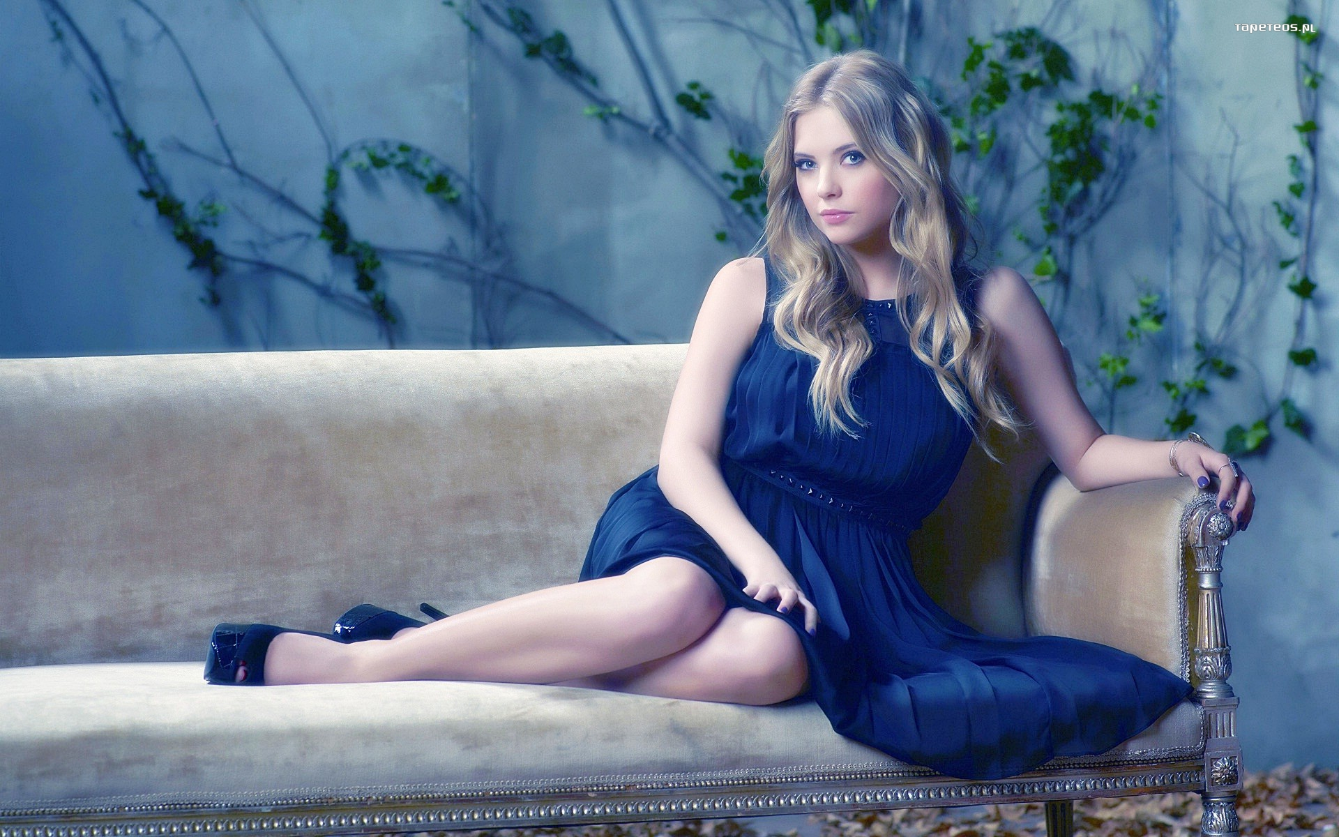 Ashley Benson 017