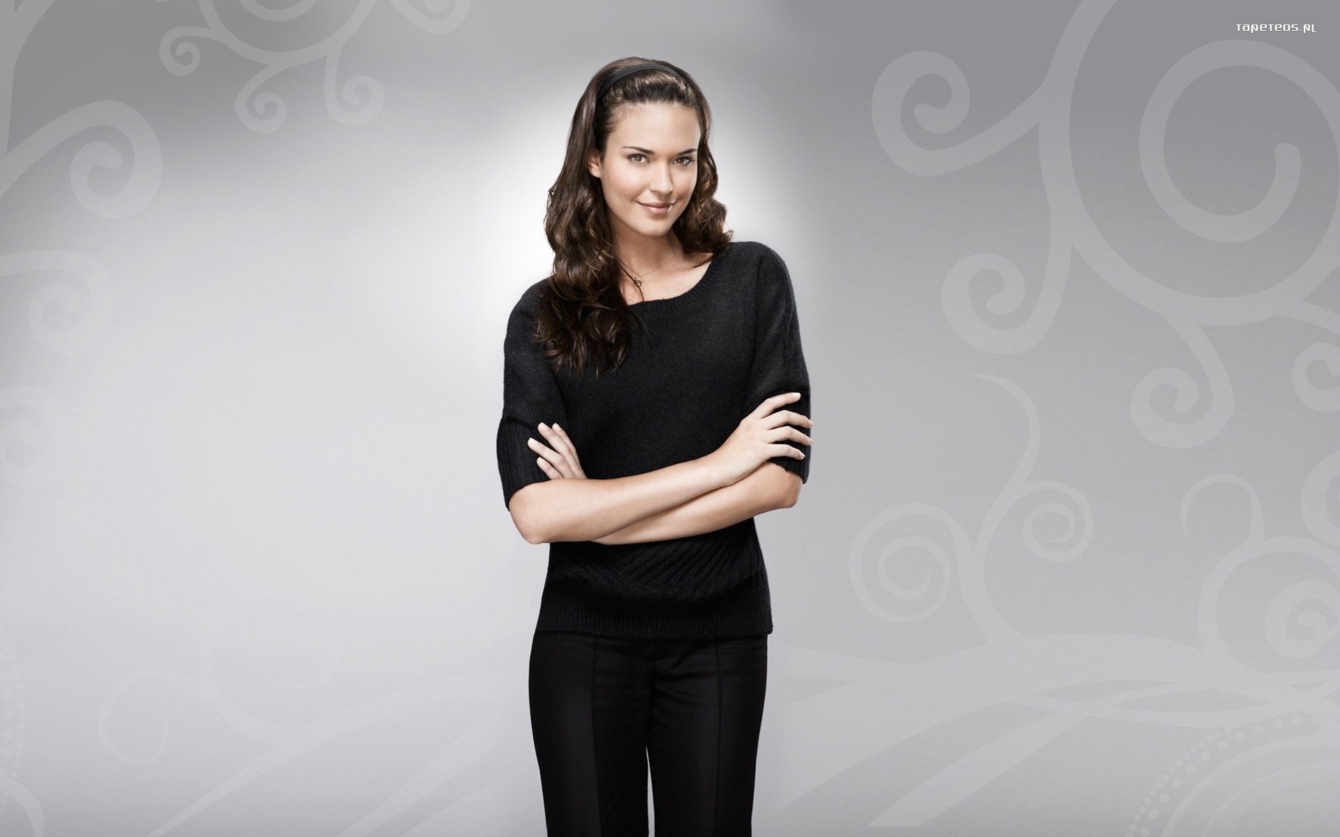 Odette Annable 014