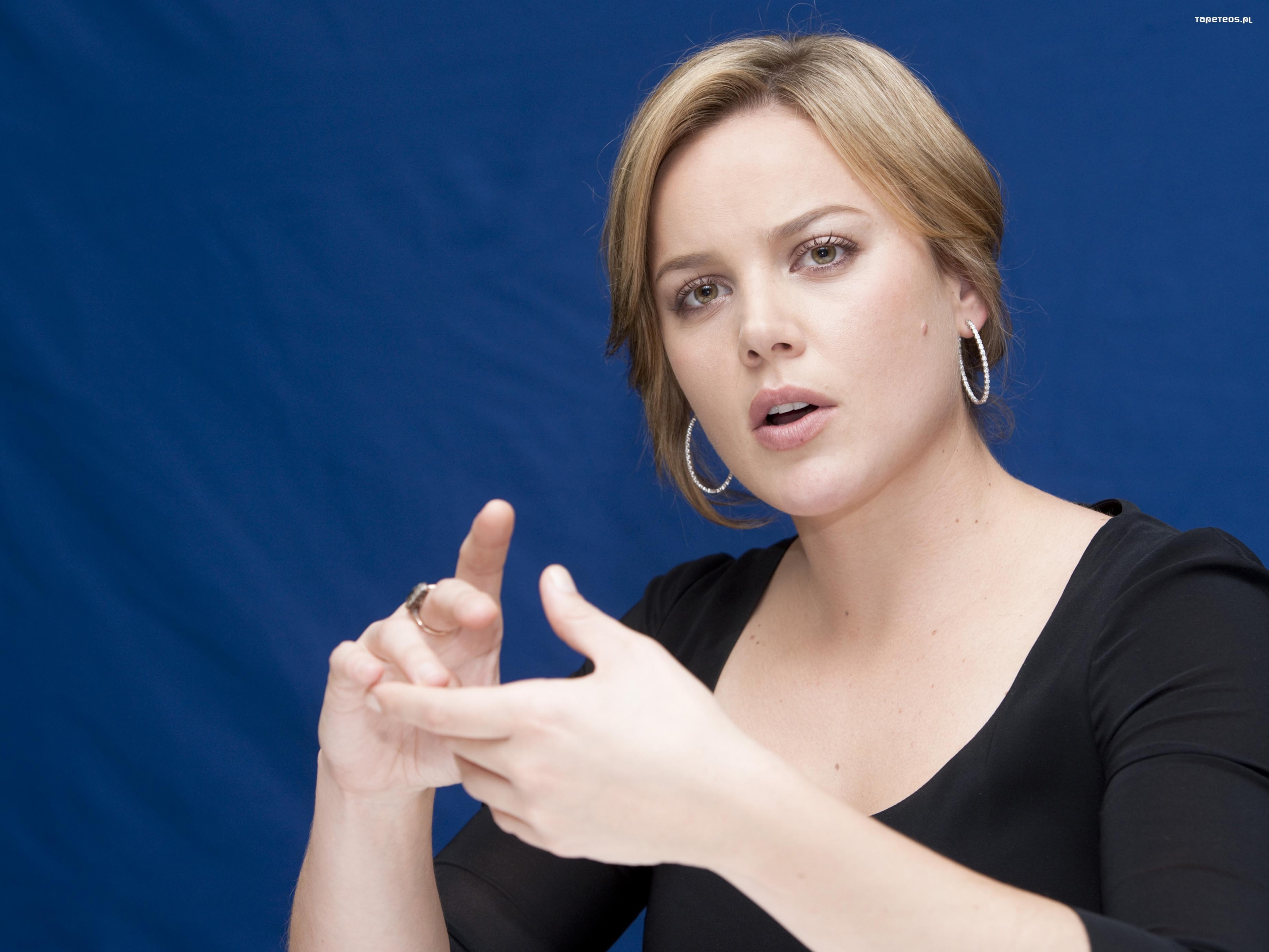 Abbie Cornish 002