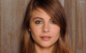 Willa Holland 001