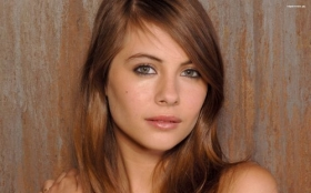 Willa Holland 002