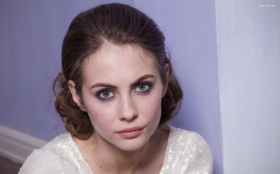 Willa Holland 006