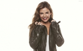 Danielle Campbell 015