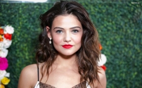 Danielle Campbell 023