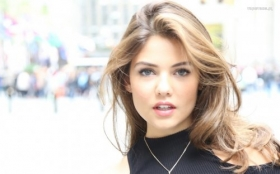 Danielle Campbell 041