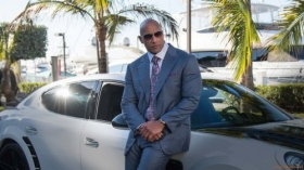 Ballers 2015 TV 002 Dwayne Johnson jako Spencer Strasmore