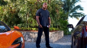 Ballers 2015 TV 008 Dwayne Johnson jako Spencer Strasmore