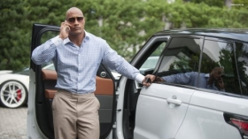 Ballers 2015 TV 010 Dwayne Johnson jako Spencer Strasmore
