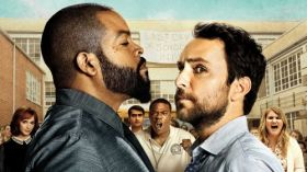 Ustawka (2017) Fist Fight 001 Ice Cube jako Strickland, Charlie Day jako Andy Campbell