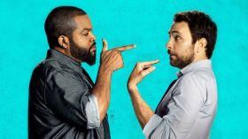Ustawka (2017) Fist Fight 002 Ice Cube jako Strickland, Charlie Day jako Andy Campbell