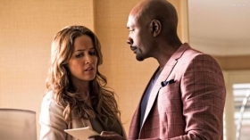 Rosewood 2015 TV 005 Jaina Lee Ortiz, Morris Chestnut