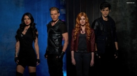 Shadowhunters (2016) TV 005 Isabelle Lightwood, Jace Wayland, Clary Fray, Alec Lightwood