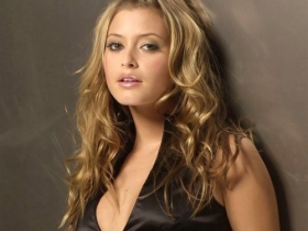 Holly Valance 23