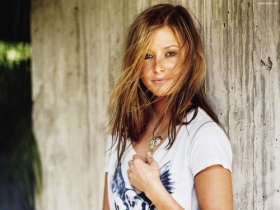 Holly Valance 04