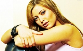 Holly Valance 15