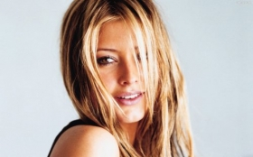 Holly Valance 18