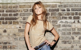 Holly Valance 22