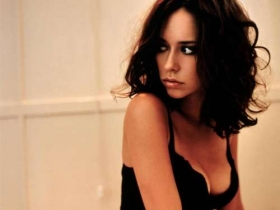Jennifer Love Hewitt 24