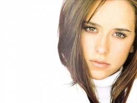 Jennifer Love Hewitt 27