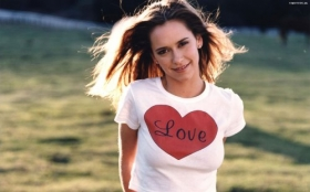 Jennifer Love Hewitt 29