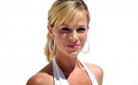 Julie Benz 12