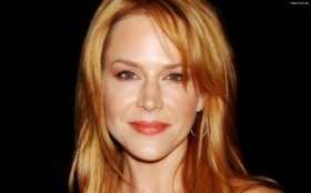 Julie Benz 20