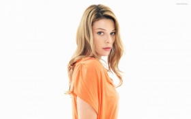 Lauren German 002