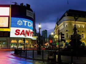 Piccadilly Circus, London, England - 1600x1200 - ID 41373 - PREMIUM