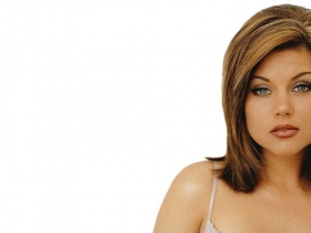 Tiffani Amber Thiessen 021