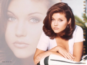 Tiffani Amber Thiessen 025