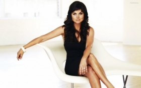 Tiffani Amber Thiessen 032