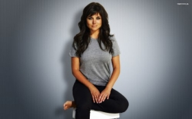 Tiffani Amber Thiessen 036