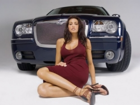 Girls with Cars 082