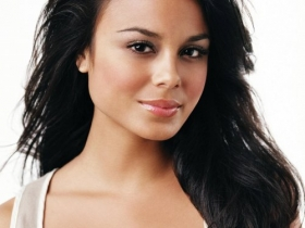 Nathalie Kelley 001