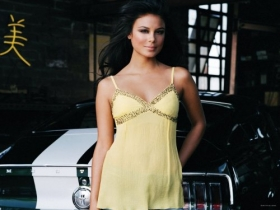 Nathalie Kelley 007