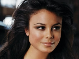 Nathalie Kelley 017