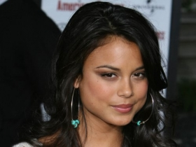 Nathalie Kelley 018