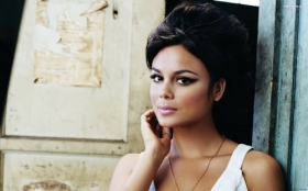 Nathalie Kelley 022