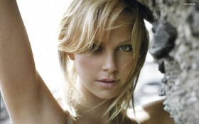 Charlize Theron 07