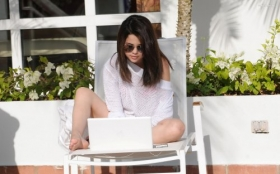 Selena Gomez 118 Laptop