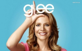 Glee 005 Jessalyn Gilsig