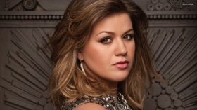 Kelly Clarkson 028