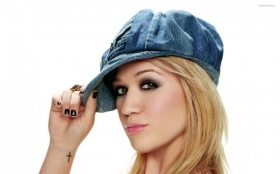Kelly Clarkson 036