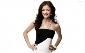 Lucy Hale 003